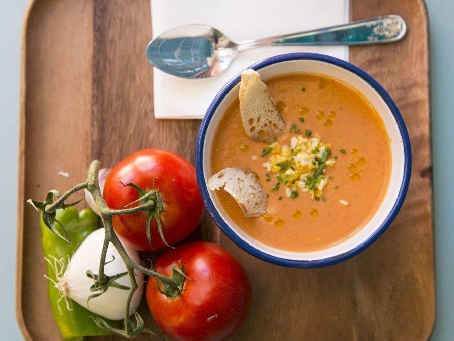 EL GAZPACHO. Distintos sabores. Distintos aceites. Distintos tomates. Misma receta