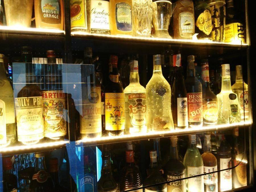 SALMÓN GURÚ. Una coctelería mágica, sin etiquetas y lejos de las modas
