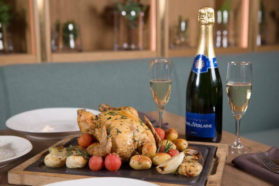 LAVACA. Pollo y champagne: una propuesta muy original y diferente