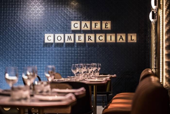 CAFÉ COMERCIAL. Una Navidad divertida en un lugar especial
