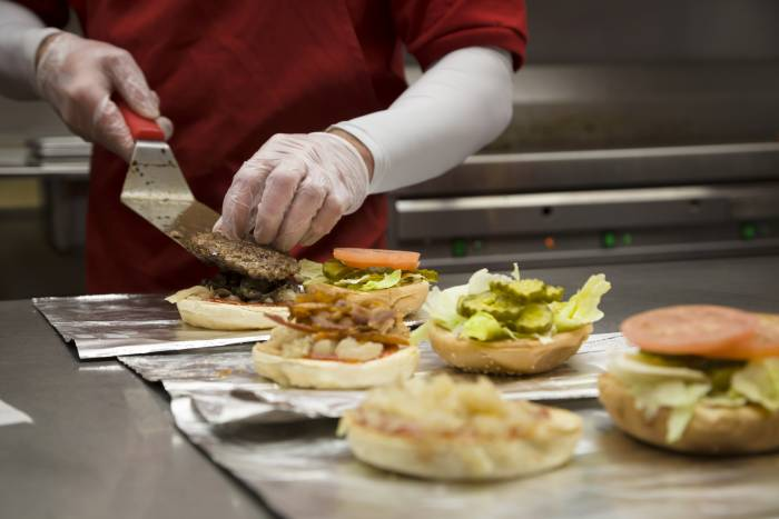 FIVE GUYS. Excelentes hamburguesas con las mejores vistas