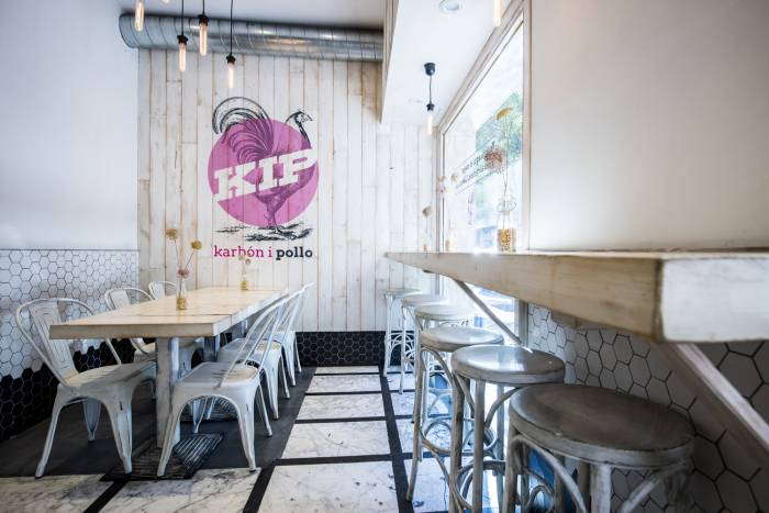 KIP. Deliciosos pollos al carbón al estilo portugués