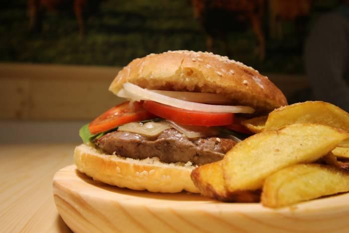 GALEGUESA MADRID. Burger gallega, gourmet y artesana