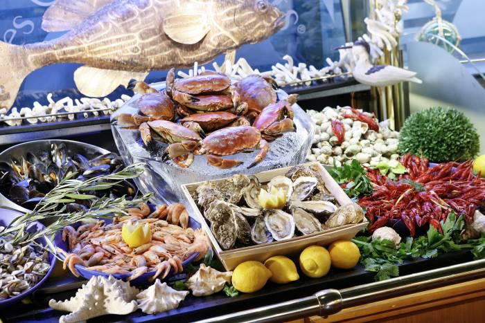 LES GRANDS BUFFETS. La fiesta de la auténtica cocina tradicional francesa