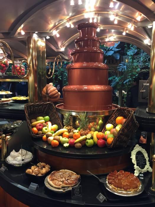 LES GRANS BUFFETS. La fiesta de la auténtica cocina tradicional ...