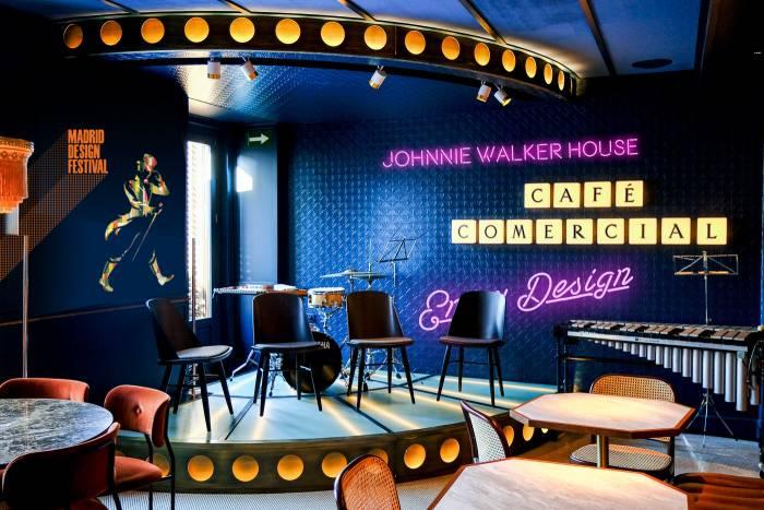 JOHNNIE WALKER HOUSE. Diseño pleno en el afterwork del Café Comercial.