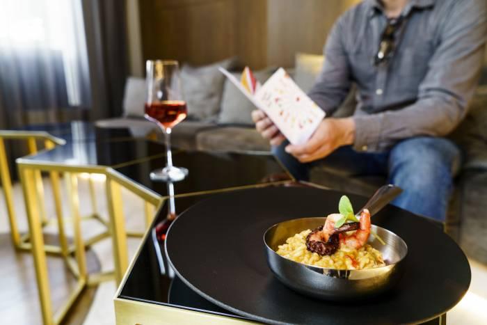 HOTEL TAPA TOUR. La frescura de las mejores tapas en los hoteles de Madrid