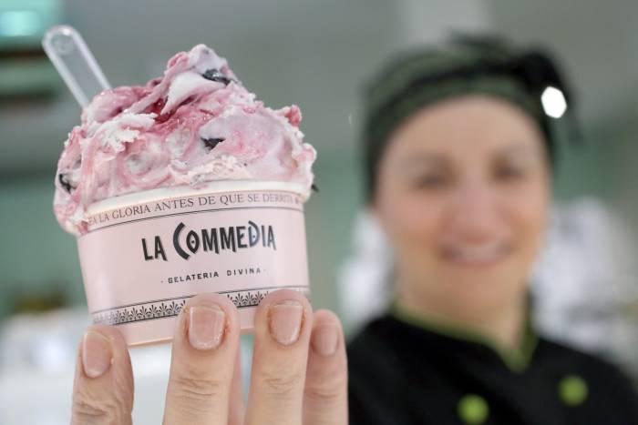 LA COMMEDIA. Sugerente heladería italiana con propuestas para todos