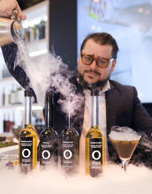 ACEITES DE OLIVA DE ESPAÑA. Una coctelería audaz y brillante