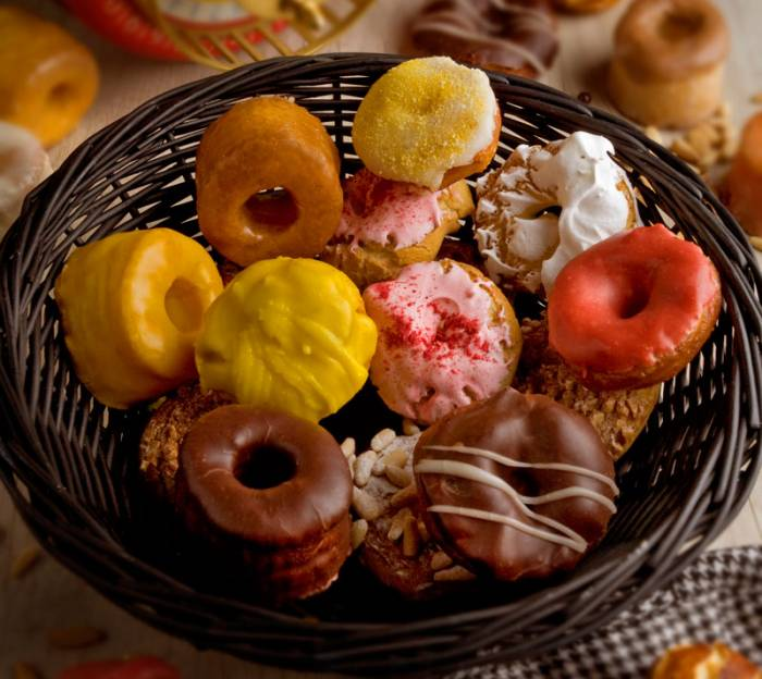 NUNOS PASTELERÍA. Las mejores rosquillas para San Isidro