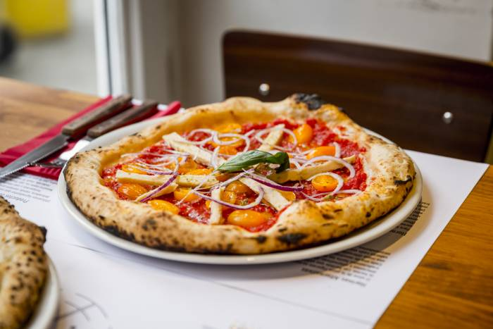 FRATELLI FIGURATO. Pizzas napolitanas poco convencionales