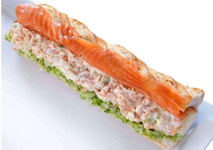 AHUMADOS DOMÍNGUEZ. El nuevo bocadillo XL de salmón ahumado