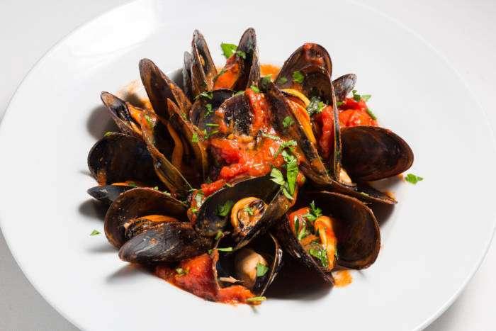 MERCATO BALLARÓ. Esencias de una apasionada cocina siciliana