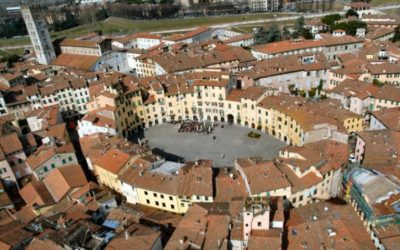 LUCCA. Maravillosa ciudad medieval bajo el sol de la Toscana