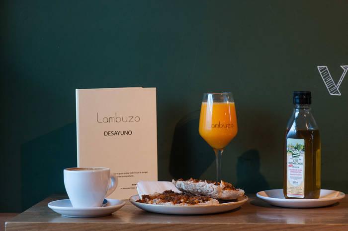 LAMBUZO. Desayunos gaditanos con mucho sabor