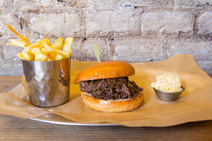 DINGO. Una hamburguesa muy castiza para disfrutar en mayo