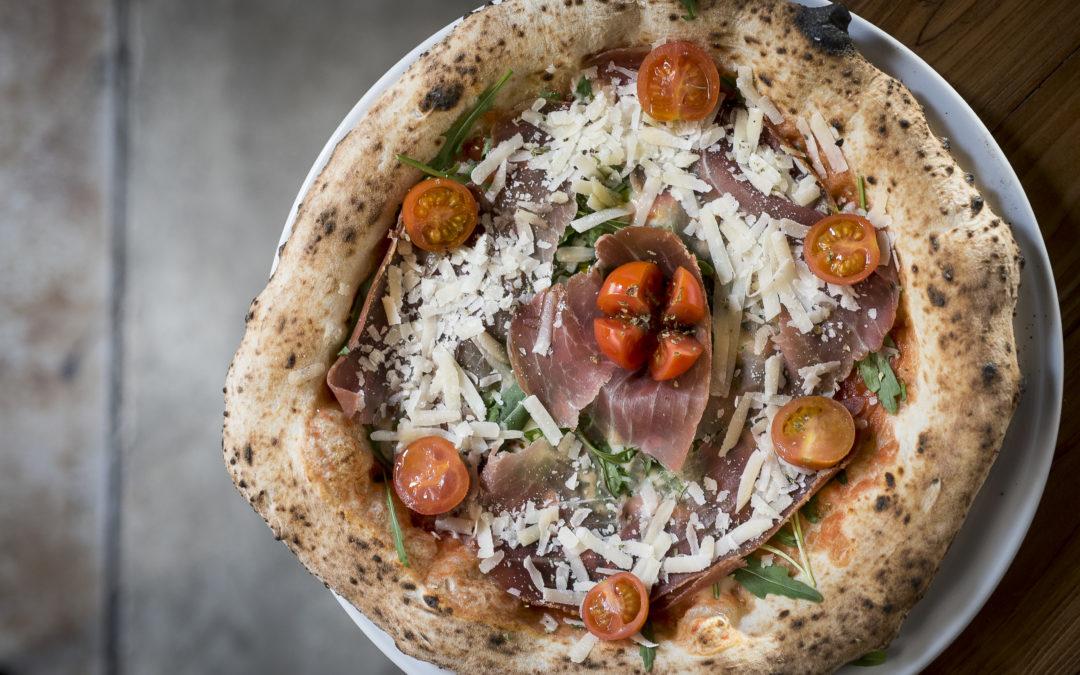 GROSSO NAPOLETANO. Pizza napolitana con nombre propio